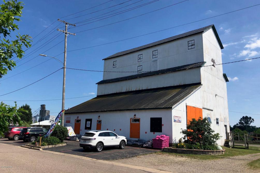 311 W Spruce St Marshall, MI 49068