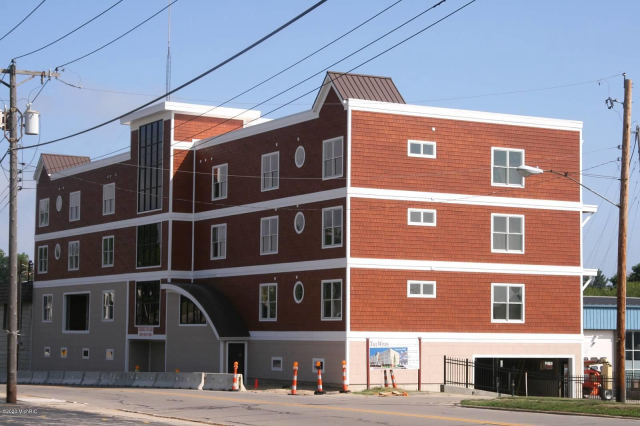 1221 Broad 1 St St. Joseph, MI 49085