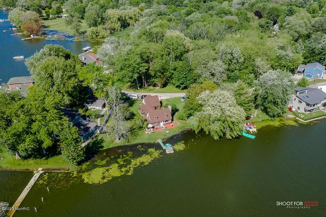 16950 Cecelia Ln Spring Lake, MI 49456