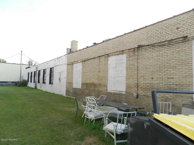 253 Park St Benton Harbor, MI 49022