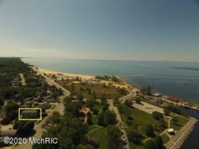 1430 Beach St Muskegon MI 49441