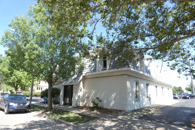 458 W South Bldg St Kalamazoo, MI 49007