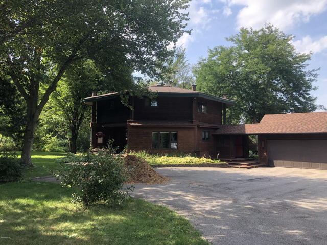 3721 Azena Sw Ct Wyoming, MI 49418