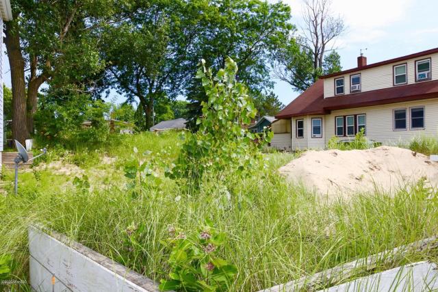 34 Lake Shore Dr Dr South Haven, MI 49090