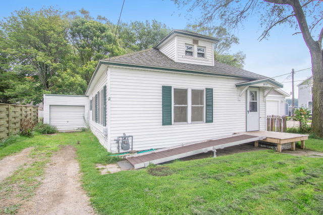 3618 Green St Norton Shores MI 49444