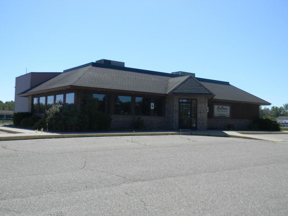 27 S Coldwater Rd Lake Isabella, MI 48893