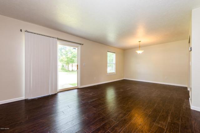 579 Edwards Ave Benton Harbor MI 49022
