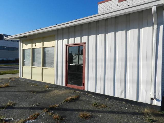 287 E Main St Benton Harbor, MI 49022