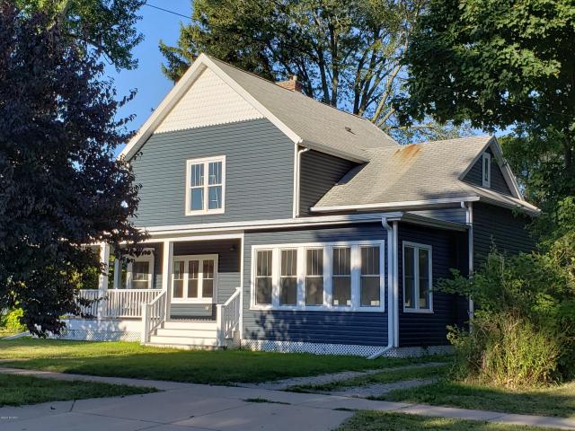207 S Elm St Three Oaks, MI 49128