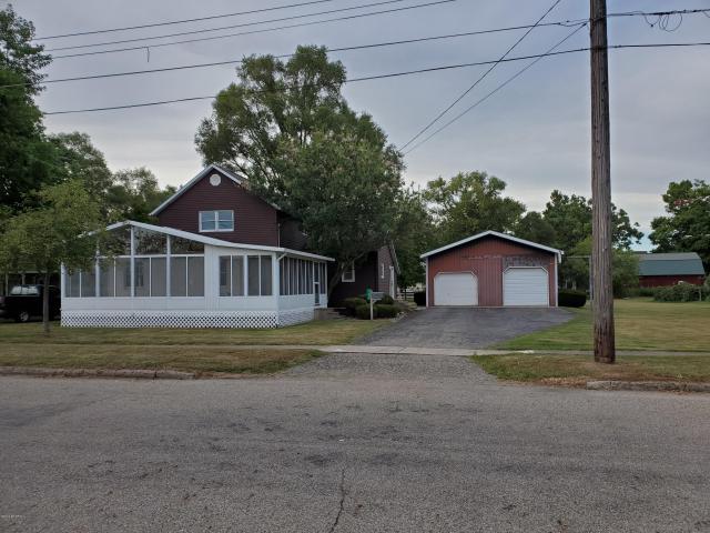 189 Roosevelt St Bronson, MI 49028