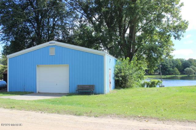 9981 Cobb Lake Rd Jonesville, MI 49250