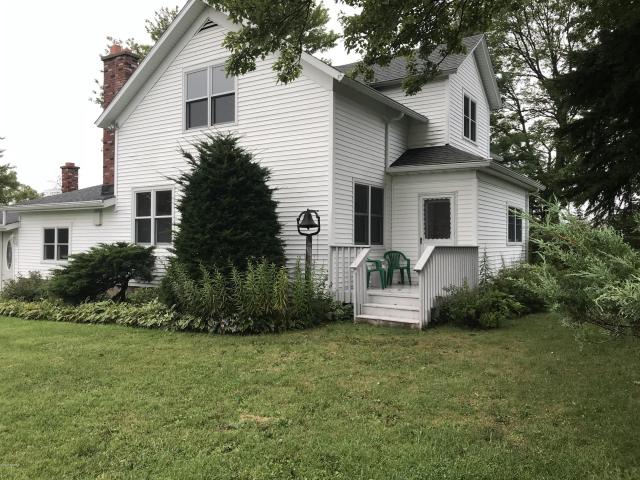 16431 S Schwark Rd Three Oaks, MI 49128