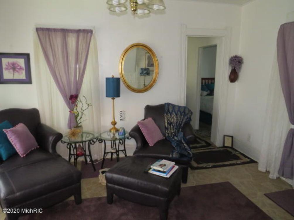 301 Crandall St Albion, MI 49224