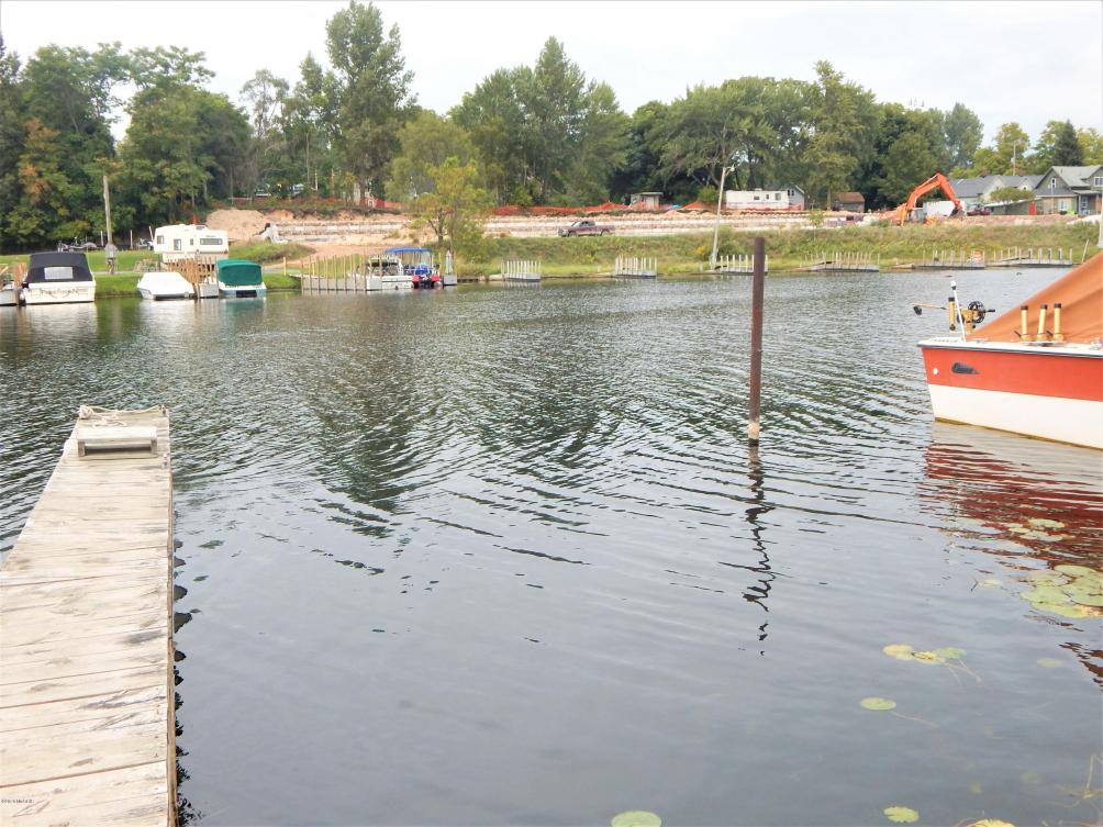 105 Water St Ludington MI 49431