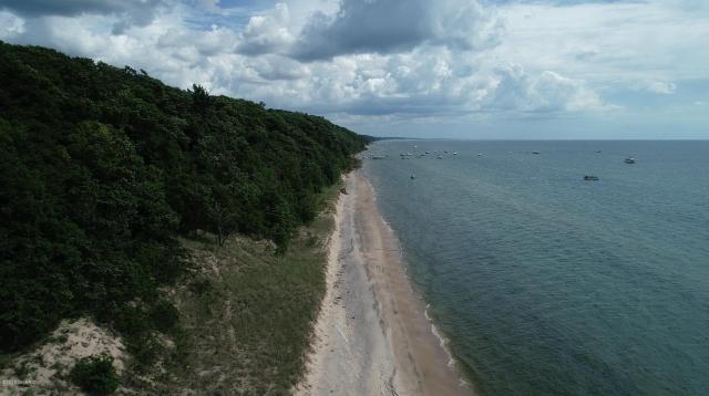 5959 Lake Harbor Unit# 1 North Cottage R oad Norton Shores MI 49441