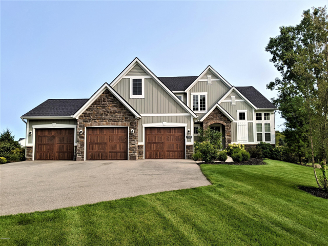 982 Alden Nash Se Ave Lowell, MI 49331