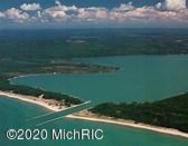 35 Acres Portage Point Dr Onekama MI 49675