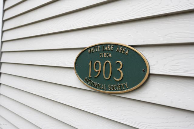 6664 Lakefront  Montague MI 49437