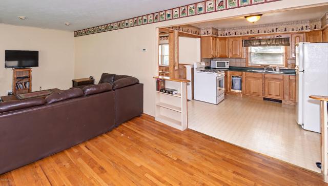 362 Brownway  Benton Harbor, MI 49022