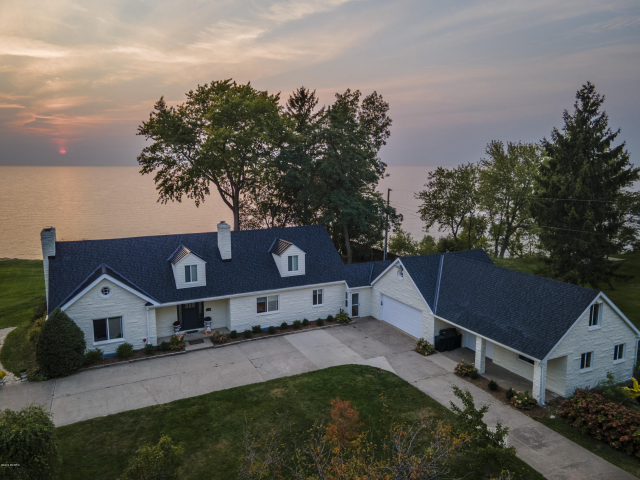 2555 Lakeside Path  St. Joseph, MI 49085