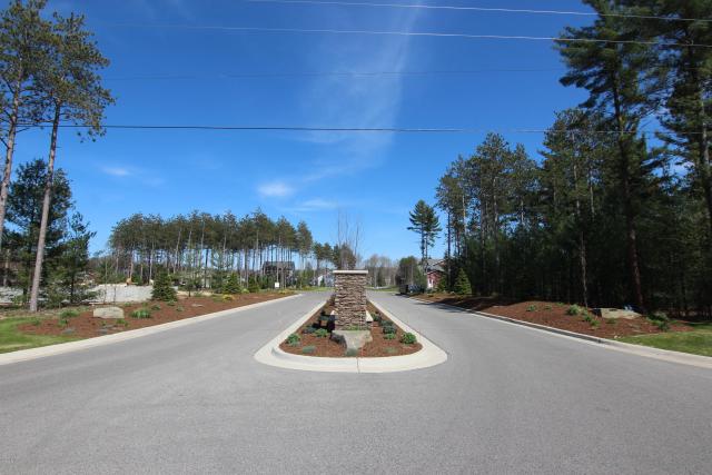 2562 Odawa Trail Muskegon MI 49444