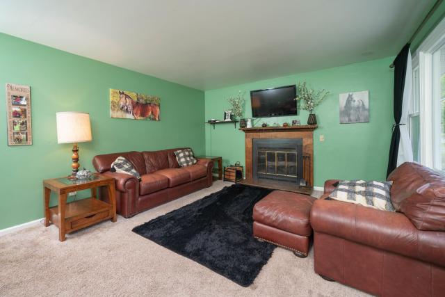 3827 Grand Prairie Rd Kalamazoo, MI 49006