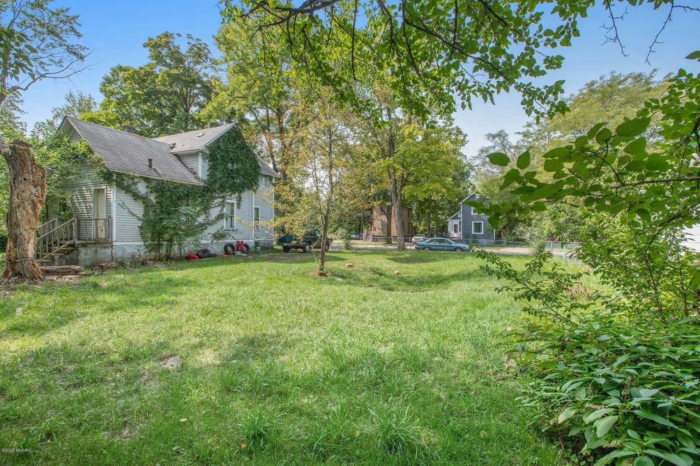 1002 Princeton Ave Kalamazoo, MI 49007