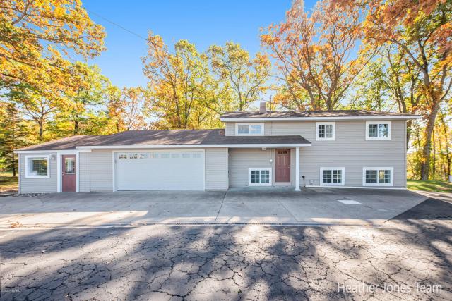 4219 W Carson City Rd Greenville, MI 48838