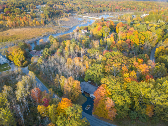 5768 W River View Dr Dr Ludington MI 49431