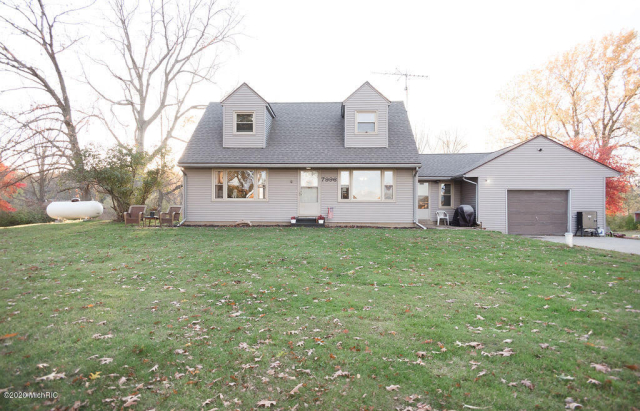 7996 S 28th St Scotts, MI 49088