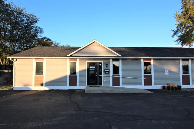 865 Oak Ridge Rd Muskegon MI 49441