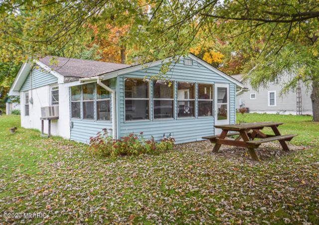 1236 Dean Lake Dr Colon, MI 49040