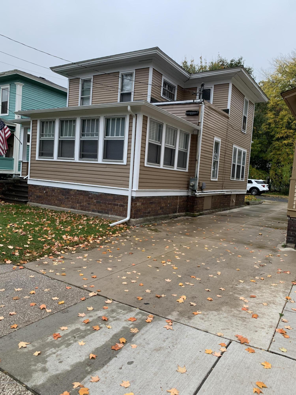 1106 S Park St Kalamazoo, MI 49001