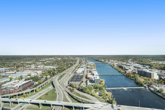 335 Bridge 3301 Nw St Grand Rapids, MI 49504