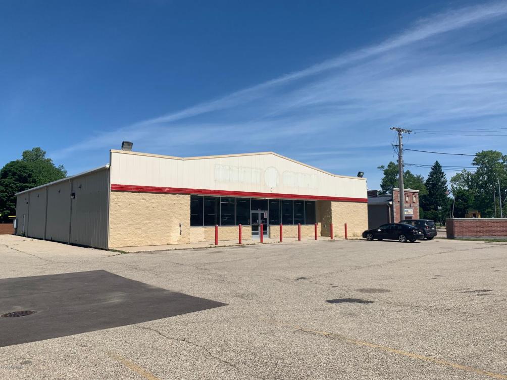 208 N Center All St Bangor, MI 49013