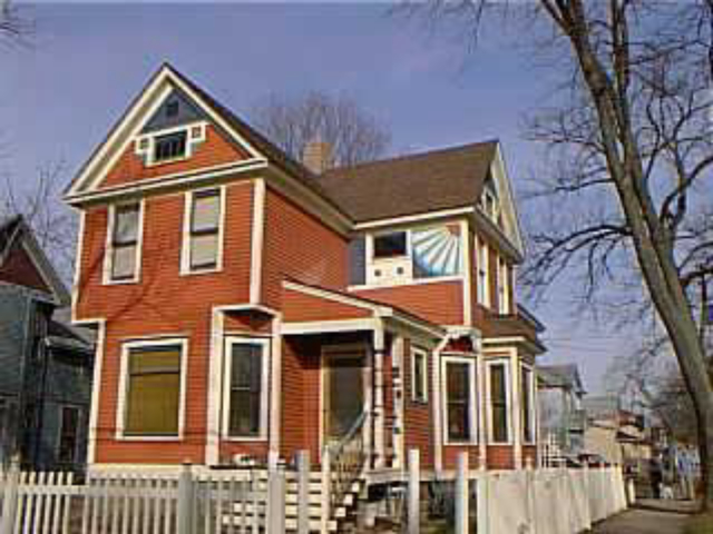 602 Elm St Kalamazoo, MI 49007