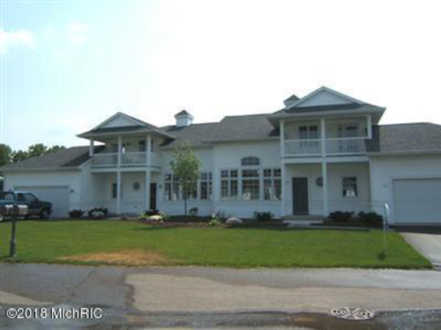 2174 Boardwalk 11 Ct Wayland, MI 49348