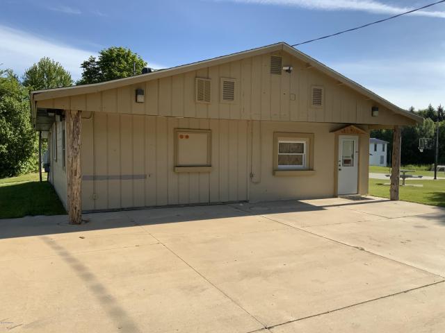10631 Dwight St Chippewa Lake MI 49320