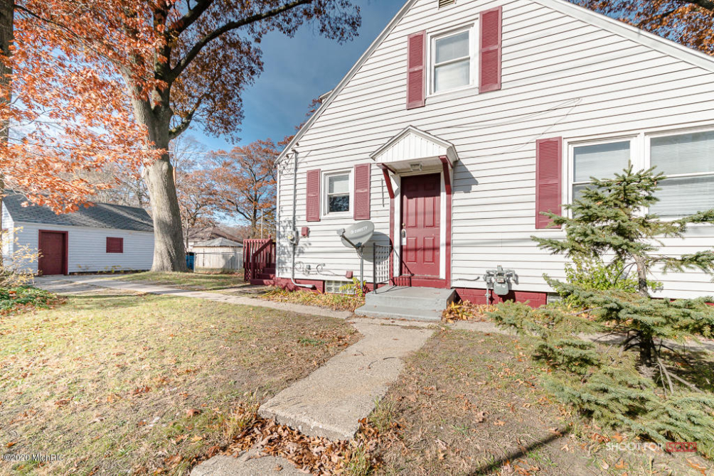 2937 9th St Muskegon Heights MI 49444