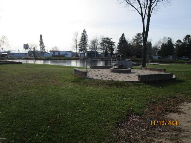 6405 Lost Lake Rd Barryton MI 49305