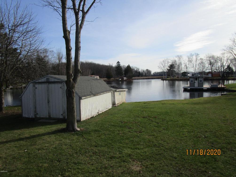 6391 Lost Lake Rd Barryton MI 49305