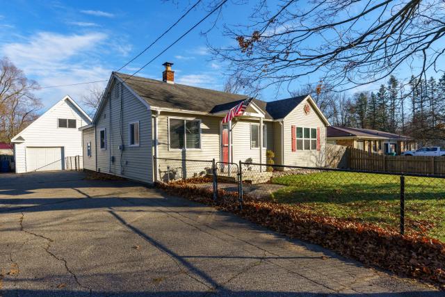 442 East Ave N  Battle Creek MI 49017