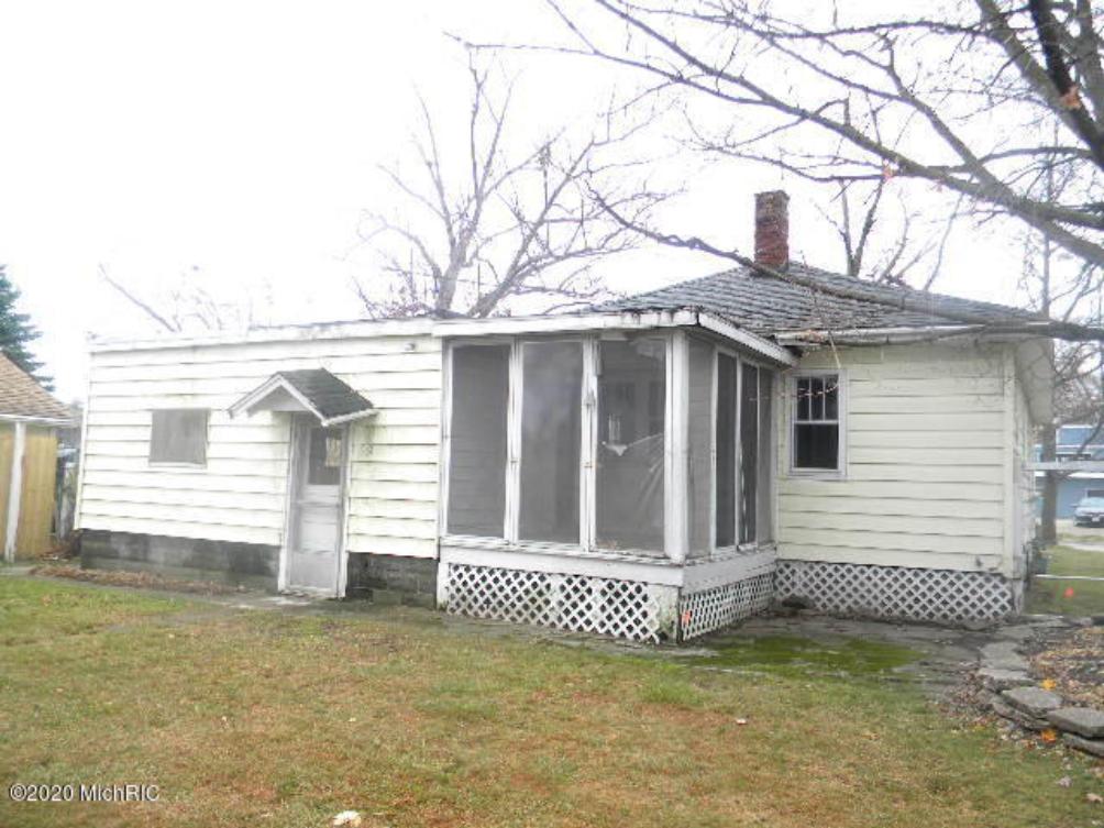 1002 W Laketon Ave Muskegon MI 49441