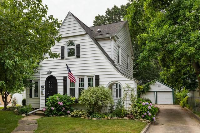 1104 Homecrest Ave Kalamazoo, MI 49001