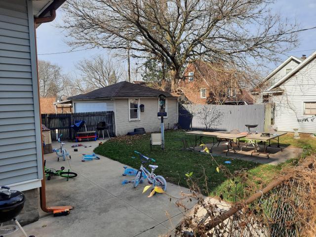 75-77 Woolnough Ave Battle Creek MI 49015