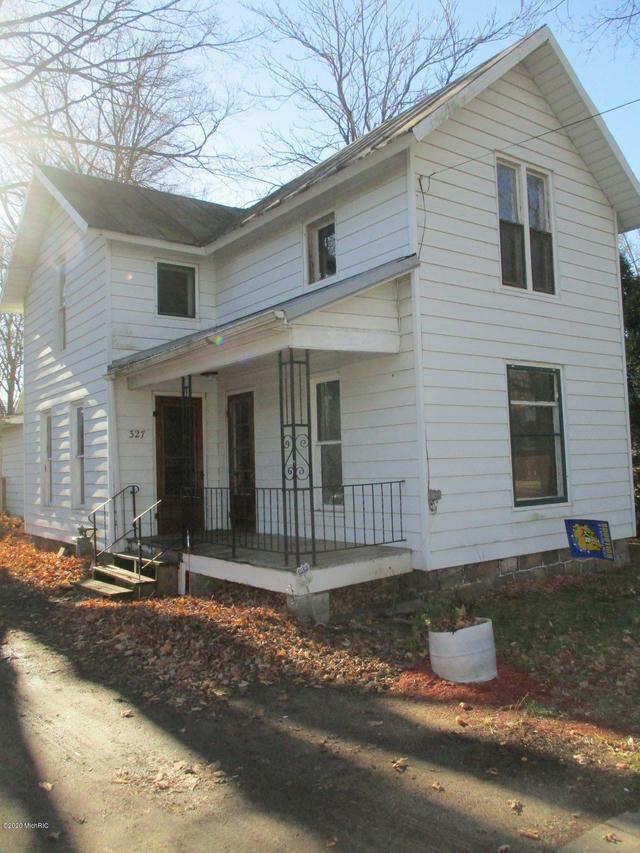 327 W Burr Oak St Centreville, MI 49032