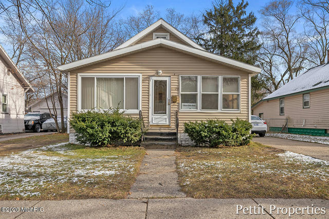 3308 Peck St Muskegon Heights, MI 49444