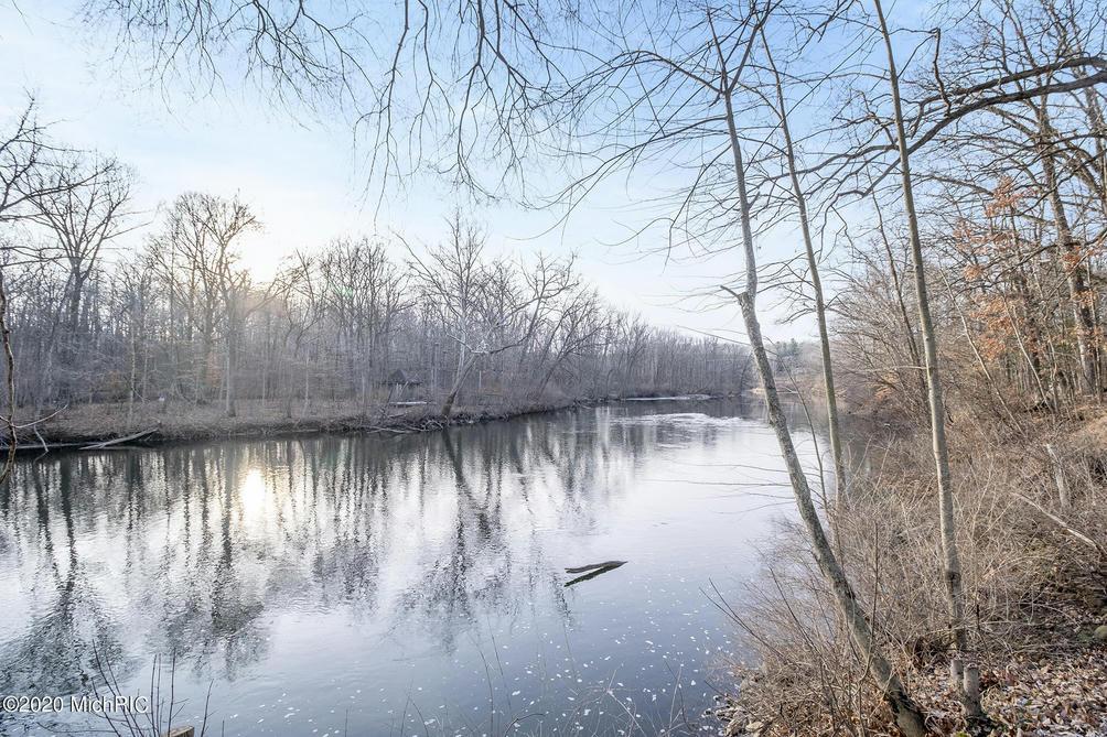 7200 Thornapple River Se Ct Alto, MI 49302