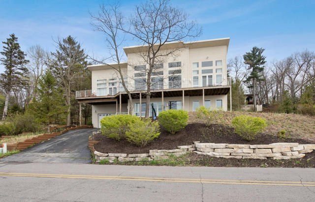 337 E Lake Front Dr Beverly Shores, IN 46301