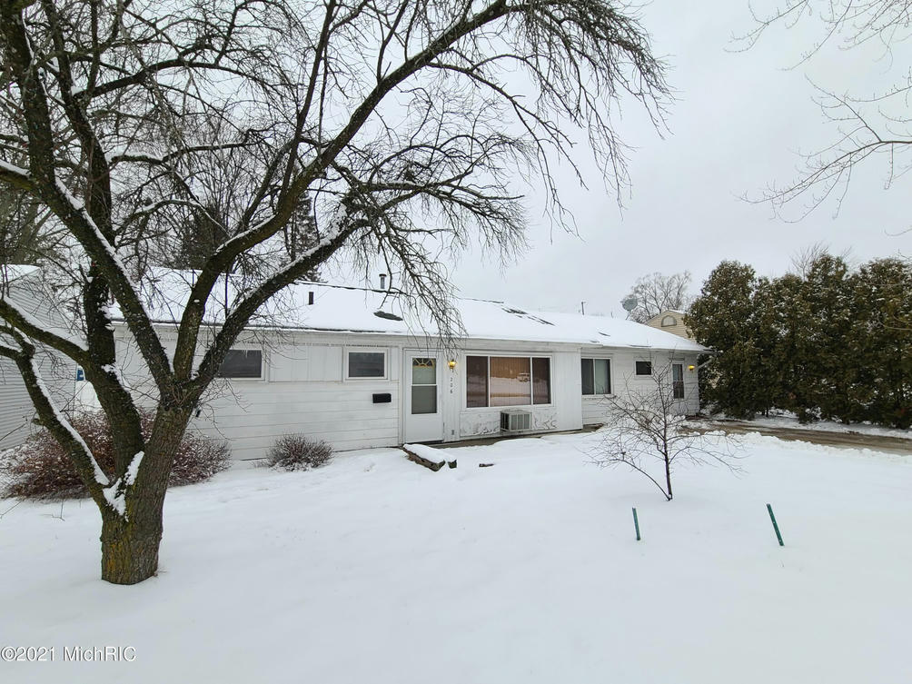 206 S Brown St Mount Pleasant, MI 48858